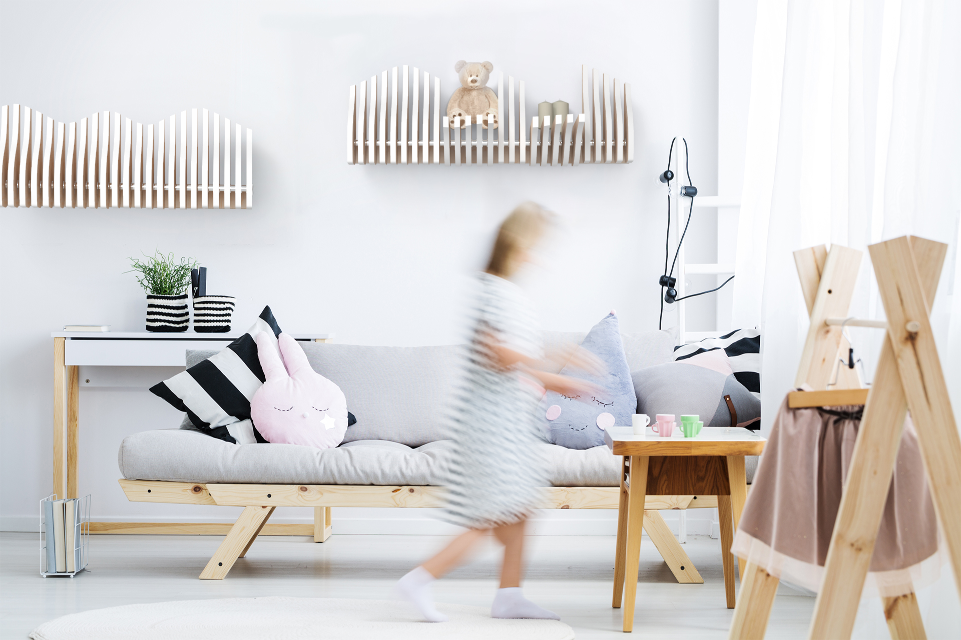 Köllen One is a modular and interactive shelf with a versatile essence allows it to furnish all kinds of spaces.